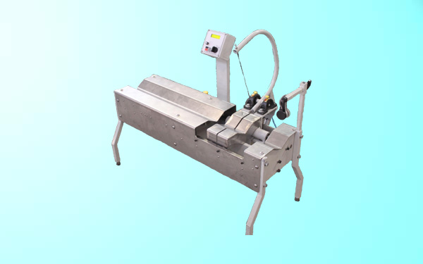 Flying Shear Type Clay Cutter